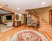 1768 N Oyster Bay Rd, Muttontown image