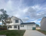 36 Meadow Ln, Levittown image