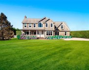 45 Fairbanks Ct, Water Mill image
