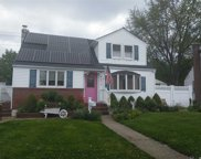 695 Bruce Dr, Wantagh image