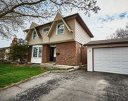 311 Lupin Dr, Whitby image
