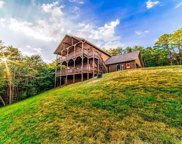 891 Lake View Loop, Sevierville image