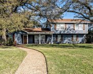1197 Knotty Oaks  Drive, Woodway image