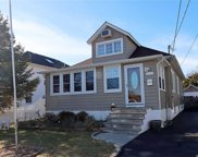 2060 Willoughby Ave, Wantagh image