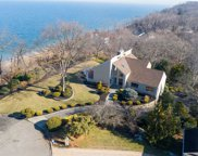 11 Bluffview Ct, Miller Place image