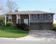 5533 Nw Raintree Drive, Parkville image