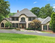 42 Chesterfield Lakes, Chesterfield image
