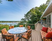 686 Sound View Rd, Mill Neck image