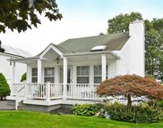 109 7th Ave, Holtsville image