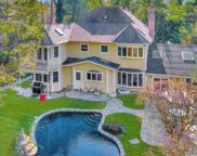 373 Frost Pond  Rd, Glen Head image