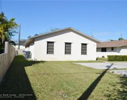 5823-25-27-29 Lincoln St, Hollywood image