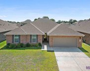 21338 Hayfield Dr, Zachary image