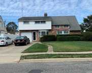129 Orchid  Rd, Levittown image