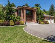 196 Cove Rd, Laurel Hollow image