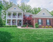 1652 Indian Bluffs  Drive, Hamilton Twp image