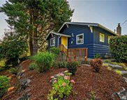 915 N 109th St, Seattle image