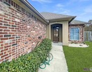 9391 Highland Oaks Ave, Zachary image