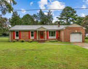 200 Oak Point Drive, York County North image