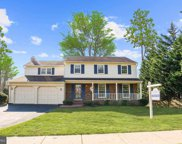 7915 Foxhound   Road, Mclean image