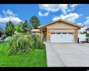 1065 E Fallbrook Way, Sandy image