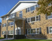 8802 45Th Place Unit 10, Brookfield image