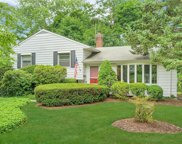 4 Highview  Drive, Scarsdale image