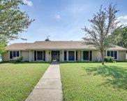 909 Oakmont Lane N, Fort Worth image