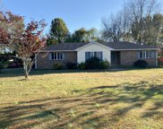 209 Rolling Acres Dr, White House image