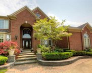 667 Majestic Dr, Rochester Hills image