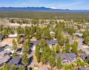 62702 Nw Mt Thielsen  Drive, Bend, OR image