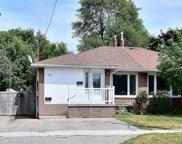 119 Lupin Dr, Whitby image