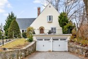 16 Robin Hill  Road, Scarsdale image