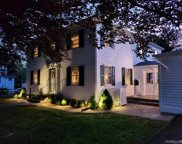 8 Commonwealth  Avenue, Middletown image