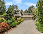 5429 NE 200th Place, Lake Forest Park image