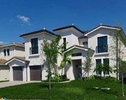 5691 Brookfield Cir, Hollywood image