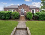 275 Manetto Hill Rd, Plainview image
