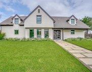 6909 Meadowbriar Lane, Dallas image