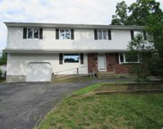 653 Plainview Rd, Bethpage image