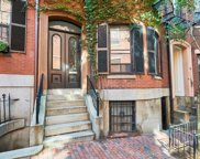 68 Pinckney St, Boston image