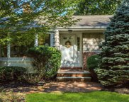 41 Snowball Dr, Cold Spring Hrbr image