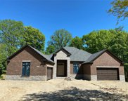 523 Rochdale Dr S, Rochester Hills image