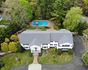 3 Three Pond Rd, Smithtown image