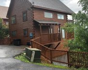 2211 Fox Berry Way, Sevierville image