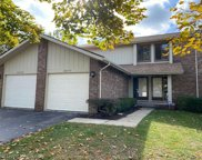 2877 TRAILWOOD, Rochester Hills image
