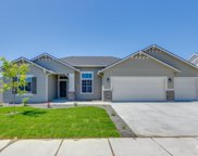 2359 N Meadowhills Ave, Star image