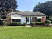 32203 Meadowbrook St, Livonia image
