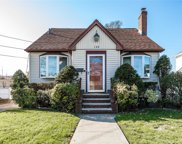 111 Pearsall Ave, Lynbrook image