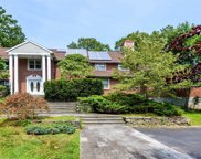 212 Sunset Rd, Oyster Bay Cove image