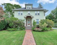 182 Berry Hill Rd, Syosset image