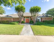 5828 Fallsview Lane, Dallas image